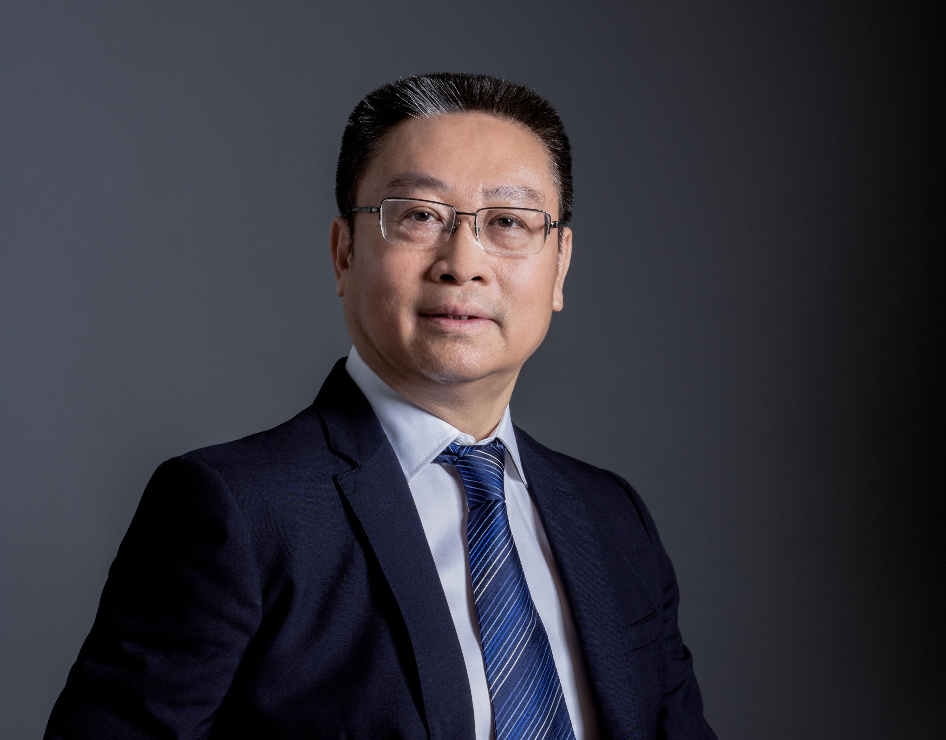 耀东华董事长曾敏华:智能环保型板材,将更能满足高质